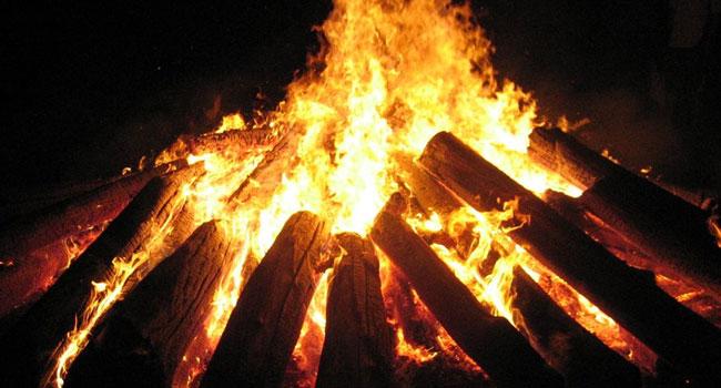 book-world-halloween-bonfire