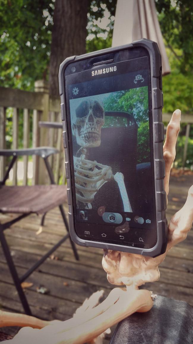 Wisconsin Halloween skeleton selfie
