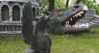 A Curious Collection of Roadside Oddities in Oshkosh