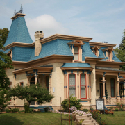 Hamilton House haunted bed & breakfast in Whitewater, WI